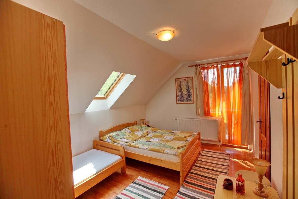 Szobaszám: 5. három személyes szoba