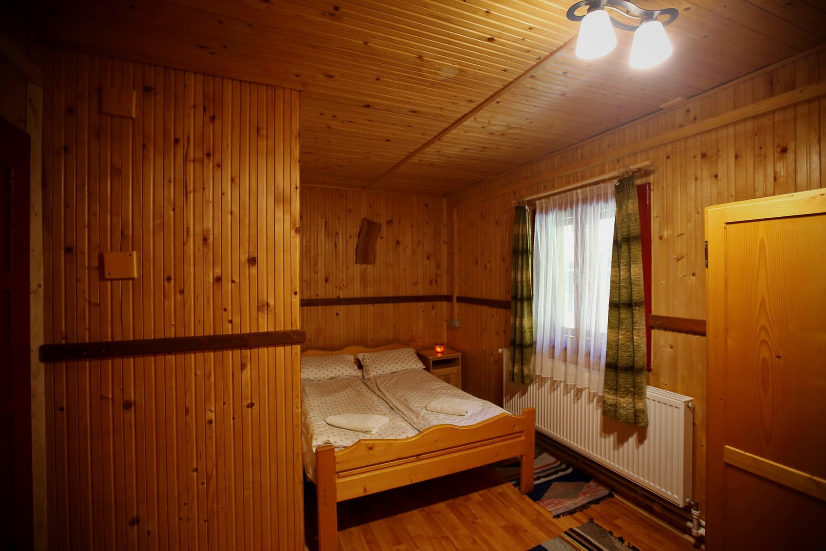 1. cameră
